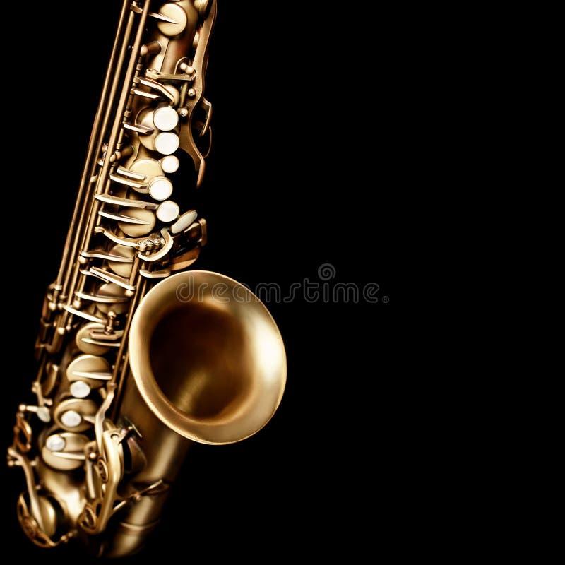 Saxophone που απομονώνεται στο μαύρο υπόβαθρο στοκ εικόνες με δικαίωμα ελεύθερης χρήσης