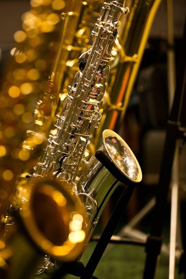 saxophones images libres de droits