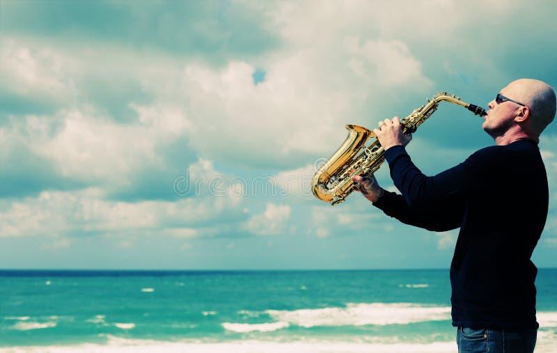 saxophonist stockbild