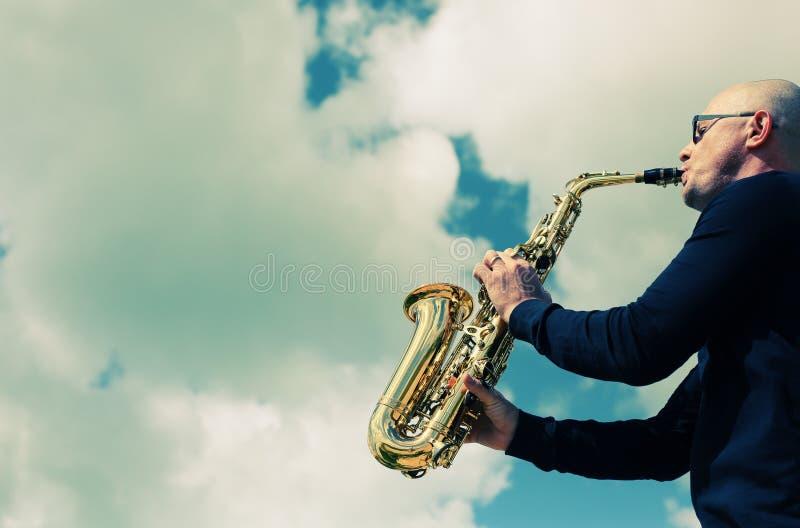 saxophonist immagini stock libere da diritti