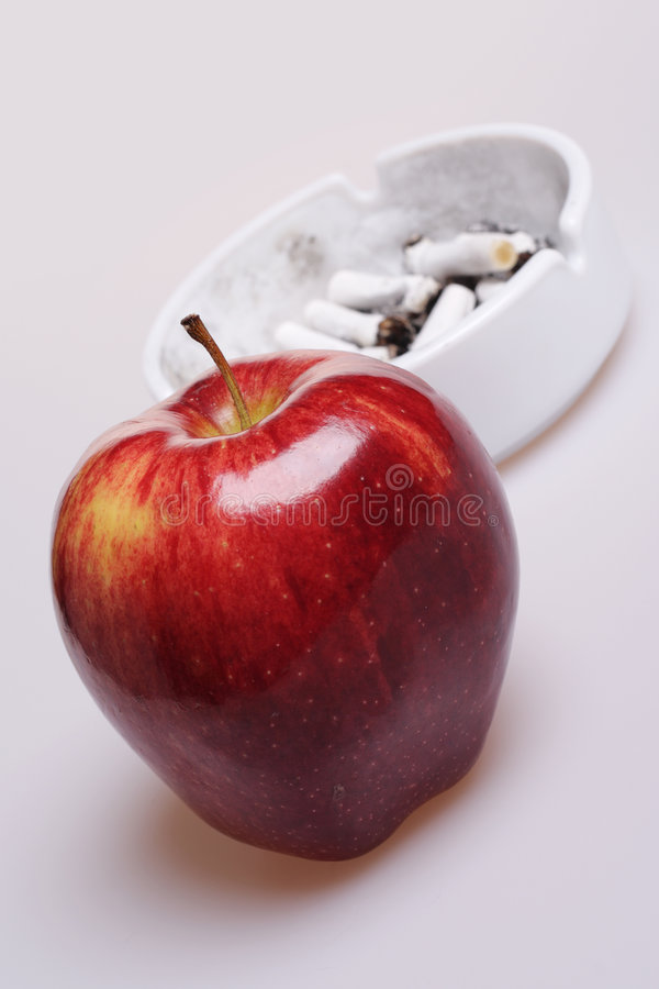 Free Say No To Cigarettes, Say Yes To Apple. Royalty Free Stock Image - 5131716