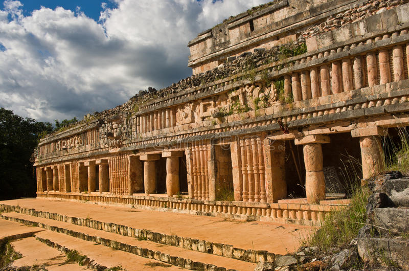 Sayil é um local arqueológico do Maya, Iucatão, México imagens de stock