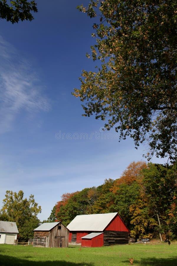 sbarchi dell'azienda agricola del granaio scenici fotografie stock libere da diritti