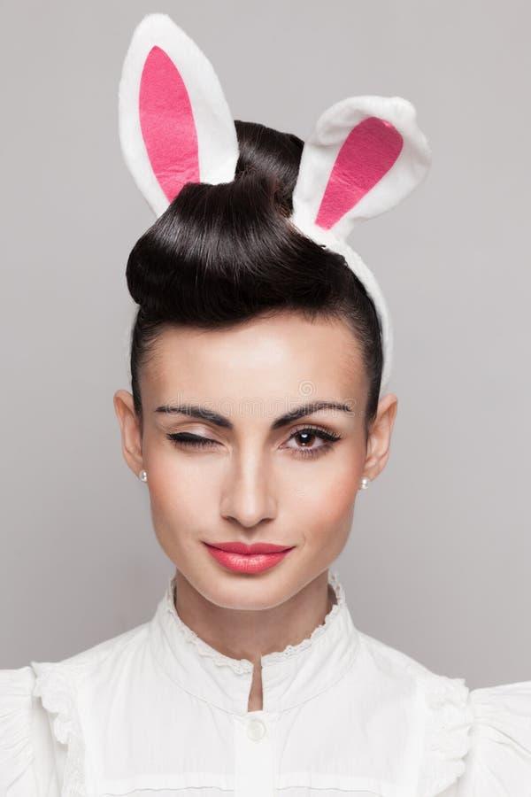 Sbattere le palpebre il fronte della coniglietta fotografia stock