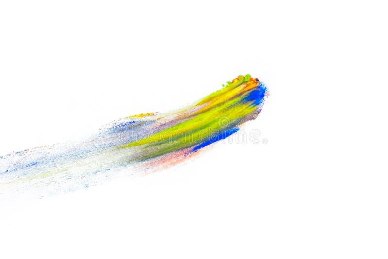 Sbavatura astratta con il dito fatto del pigmento multicolore, isolato su bianco Ombretto luminoso misto Polvere colorata natural immagine stock libera da diritti