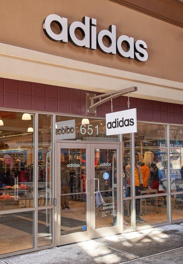 Sbocco di Adidas fotografia stock