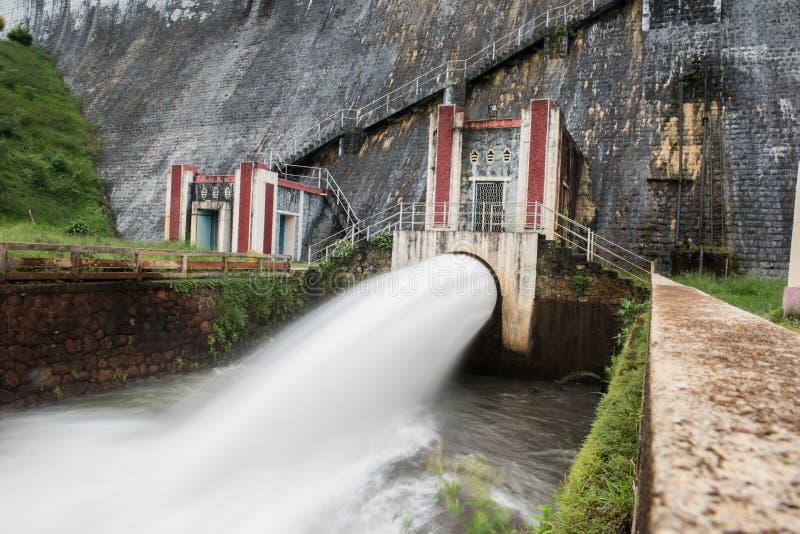 Scène au barrage de Neyyar photographie stock libre de droits
