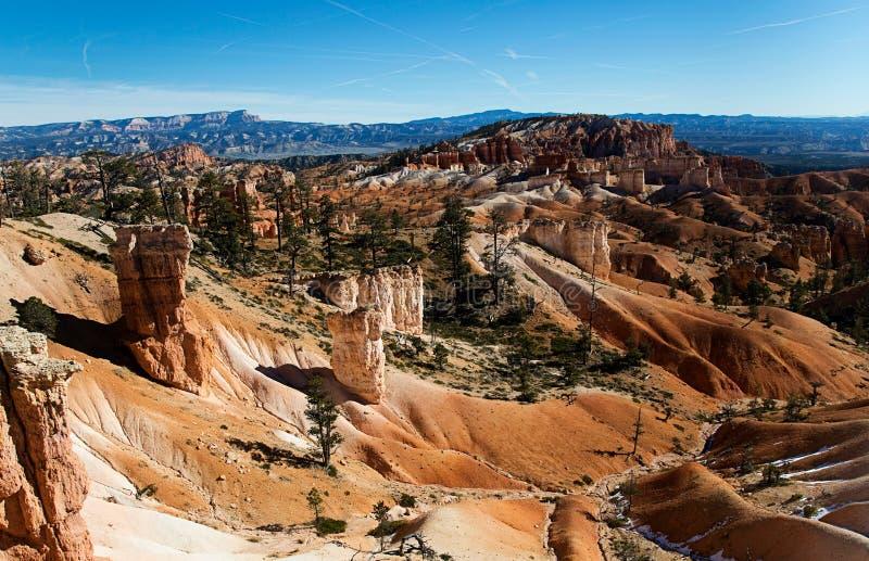 Scène au parc national de canyon de Bryce en hiver photographie stock libre de droits
