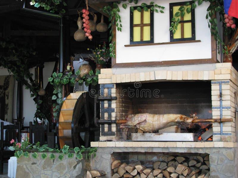 Scène in Bulgaars restaurant stock afbeelding