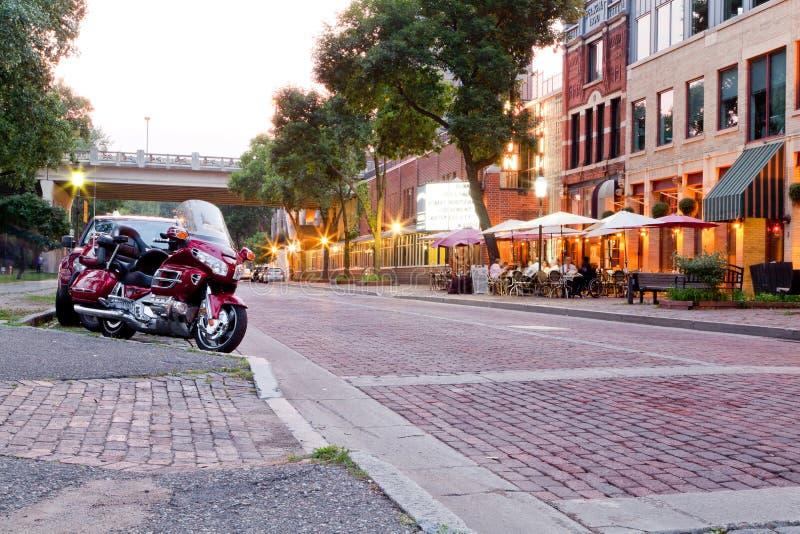 Scène chaude de soirée d'été à Minneapolis beautyful photos libres de droits