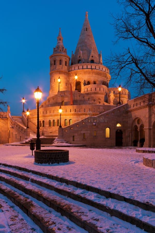 Scène de l'hiver de la bastion du pêcheur, Budapest photographie stock libre de droits