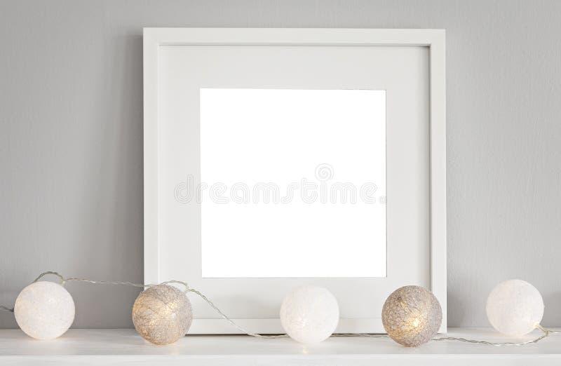 Scène de maquette avec le cadre blanc photos stock