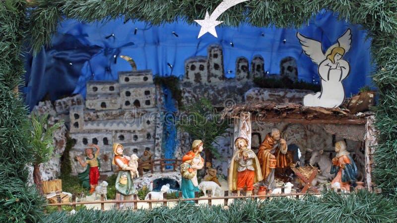 Scène de nativité avec des statues dans le modèle classique avec des pasteurs photo stock