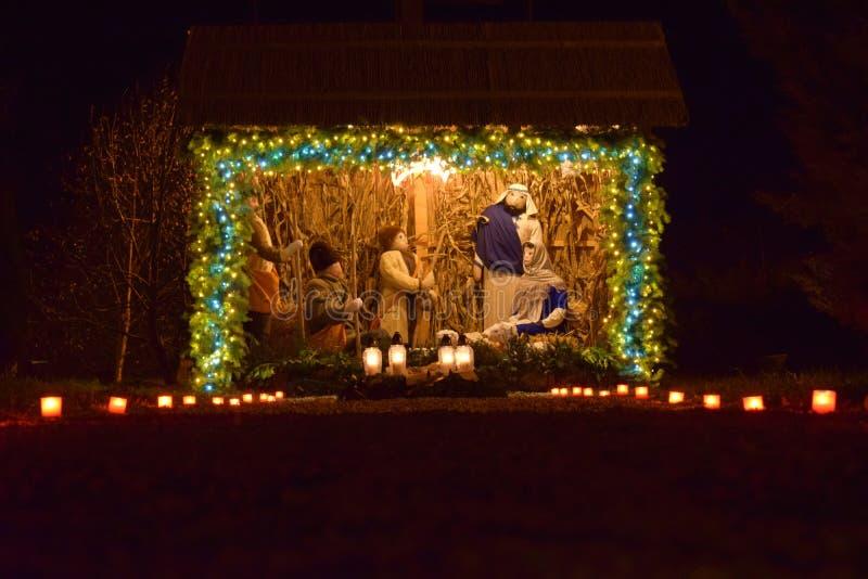 Scène de nativité avec la huche de Noël, Jésus, Joseph, Maria pour Noël photographie stock libre de droits