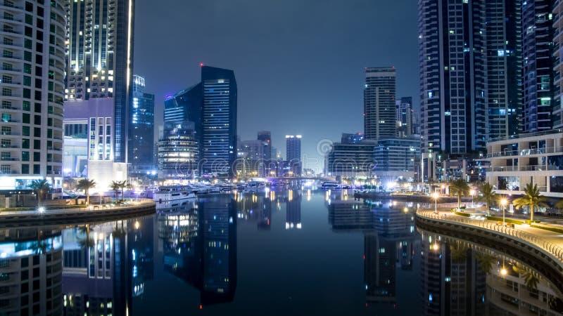 Scène de nuit à Dubaï, Marina Dubai photos stock