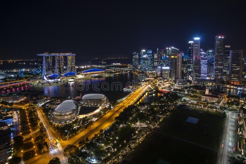 Scène de nuit à l'horizon de ville de Marina Bay Singapore images stock