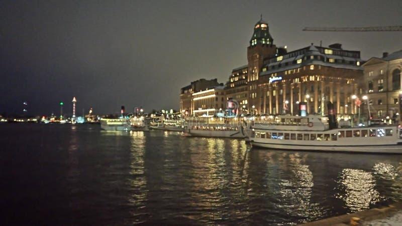 Scène de nuit d'architecture de bord de mer photos libres de droits