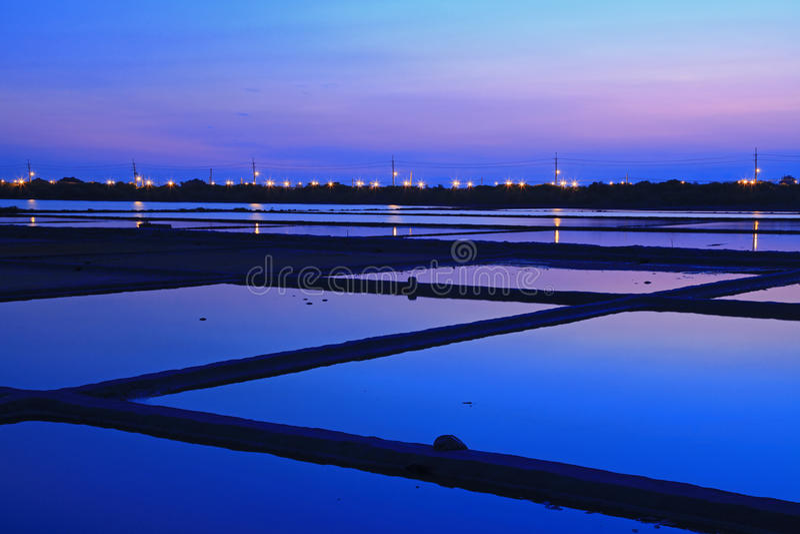 Scène de nuit de carter de sel à Tainan, Taiwan photo stock
