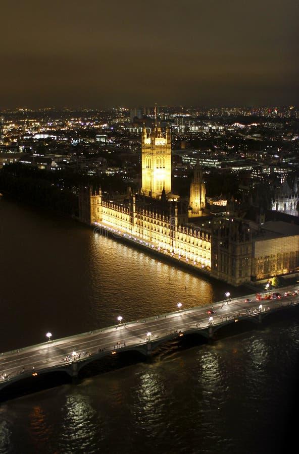 Scène de nuit de Londres avec l'Abbaye de Westminster photographie stock libre de droits