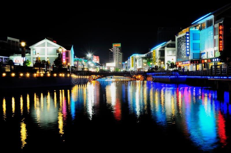 Scène de nuit de ville photographie stock libre de droits