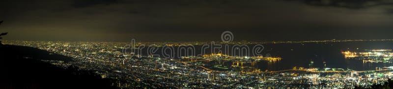 Scène de nuit du mont Fuji avec le premier plan de pagoda et de Sakura de Chureito Yama photographie stock libre de droits