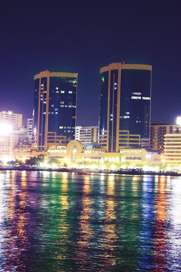Scène de nuit, Dubaï image libre de droits