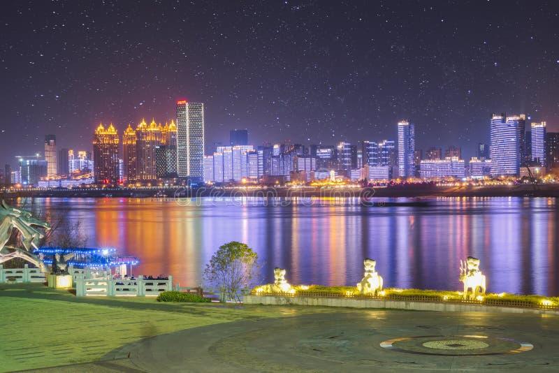 Scène de nuit de rivière de Wuhan Yangze photographie stock libre de droits