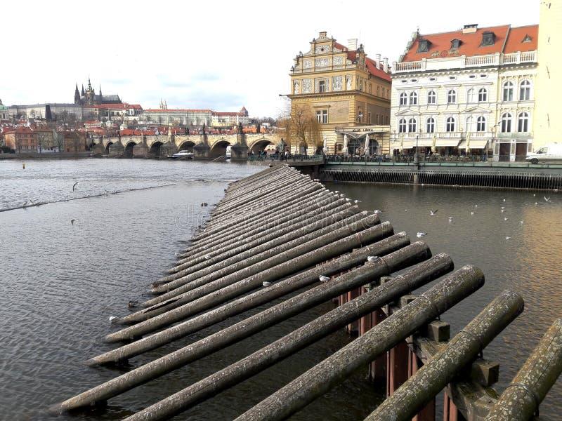Scène de paysage de rue de Prague vue de la vieille pièce de ville de ville photographie stock