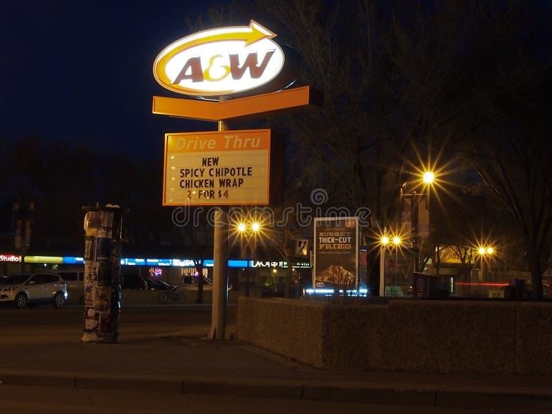 Scène de photographie de nuit d'avenue Edmonton Alberta de Whyte images stock