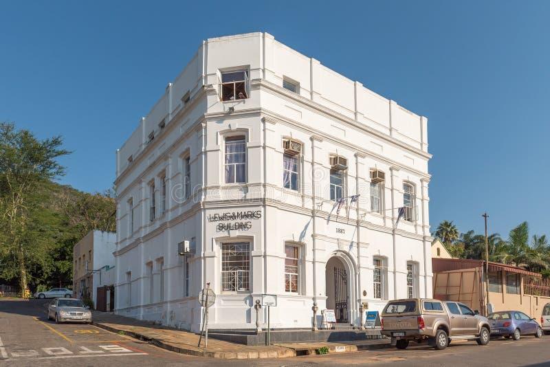 Scène de rue, avec Lewis Marks Building historique, véhicules, dans Barberton image stock