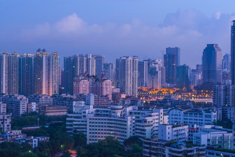 Scène de ville de Guangzhou avant aube photographie stock