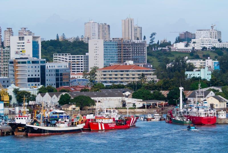 Scène des bateaux à Maputo images libres de droits