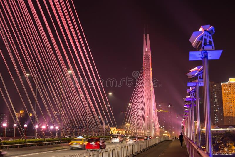 Scène du trafic sur le pont photos libres de droits