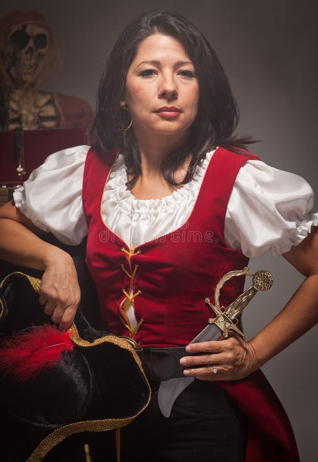 Scène femelle dramatique de pirate photos stock