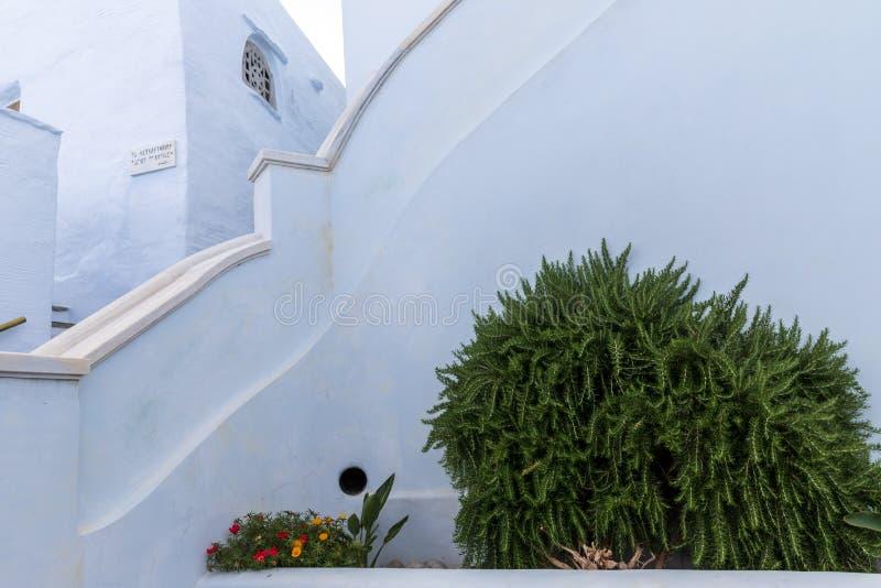 Scène met traditioneel huis, op Egeïsch Eiland Tinos, Griekenland stock afbeeldingen
