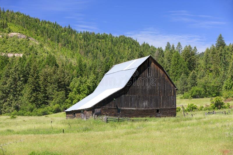 Scène rurale de grange images libres de droits