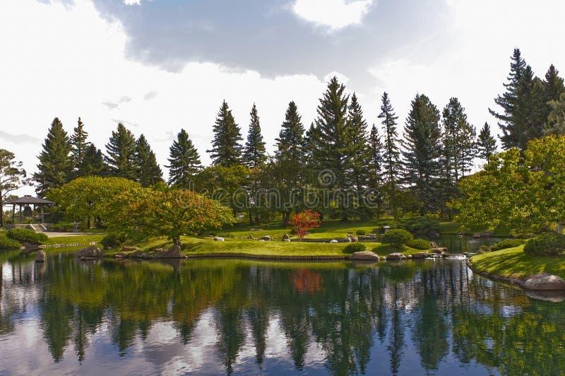 Scène traditionnelle paisible de jardin photographie stock