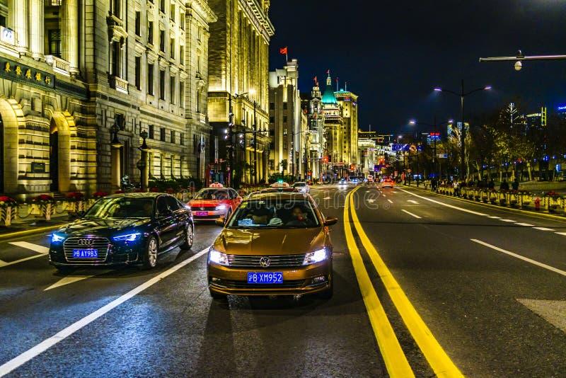 Scène urbaine de nuit chez Bund, Changhaï, Chine photos libres de droits