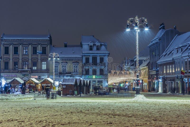 Scène urbaine de tombée de la nuit d'hiver de Noël photos libres de droits