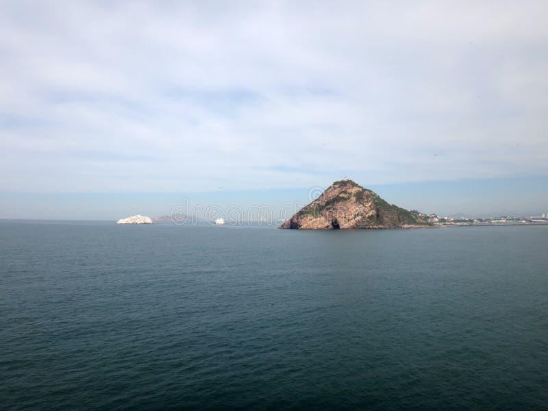 Scènes de Mazatlan, Mexique d'un bateau de croisière photographie stock libre de droits