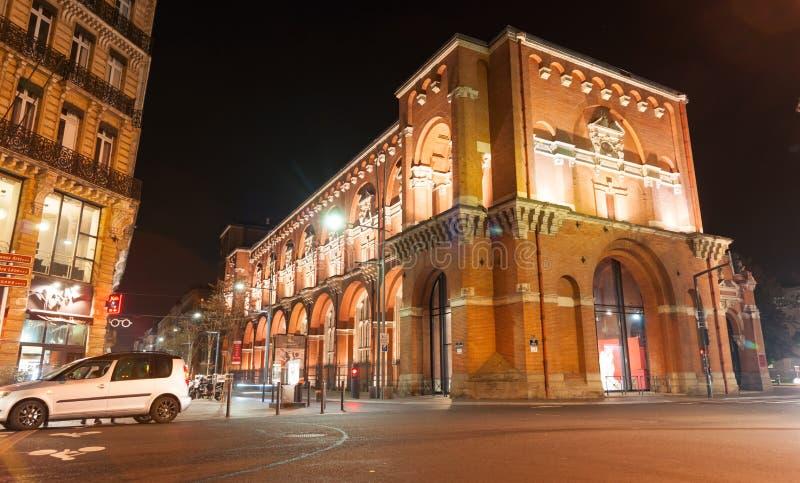 Scènes de nuit d'archtitecture, de ponts et de rues de Toulouse photographie stock libre de droits