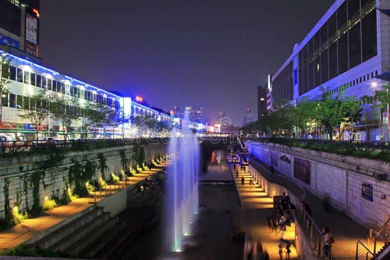 Scènes de nuit de courant et de ville de la Corée Séoul Cheonggyecheon photos libres de droits