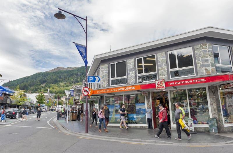 Scènes de rue et district des affaires de Queenstown, île du sud du Nouvelle-Zélande photo libre de droits