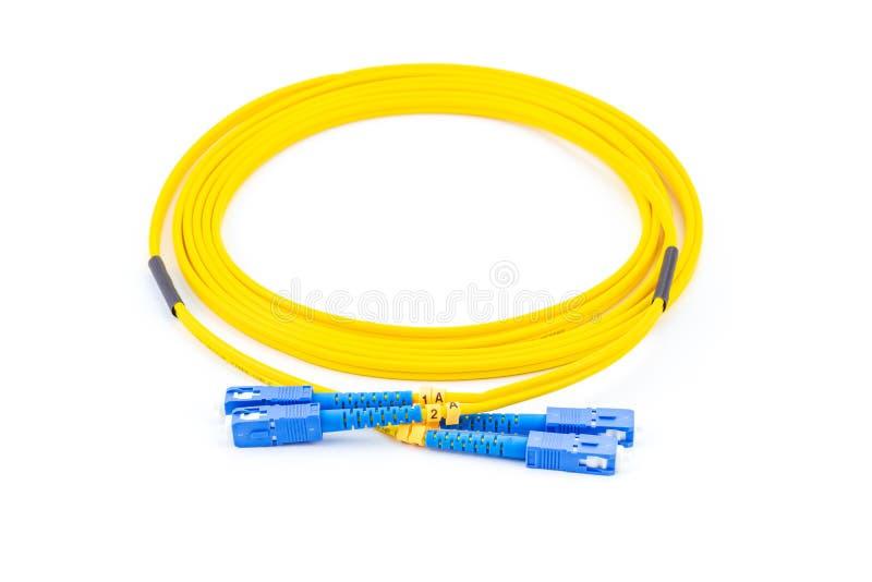SC гибкого провода одиночного режима волоконной оптики к соединителю SC, изолированному на белой предпосылке стоковые фотографии rf