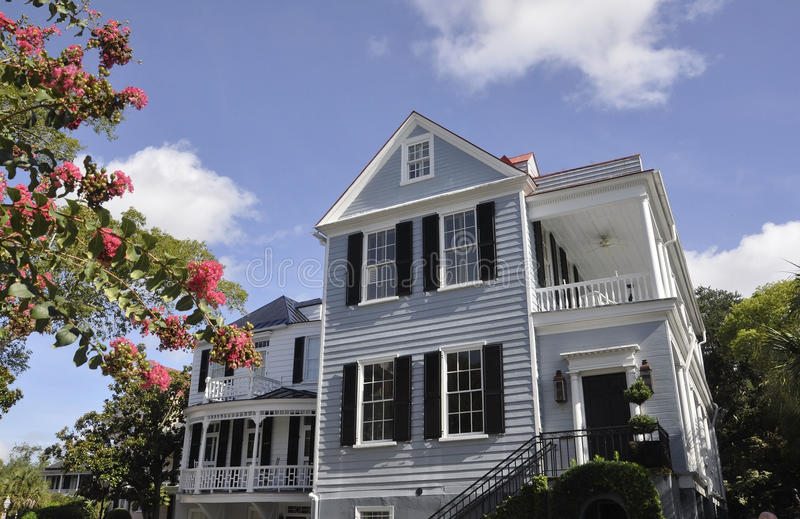 SC de Charleston, el 7 de agosto: Casa histórica de Charleston en Carolina del Sur imagen de archivo