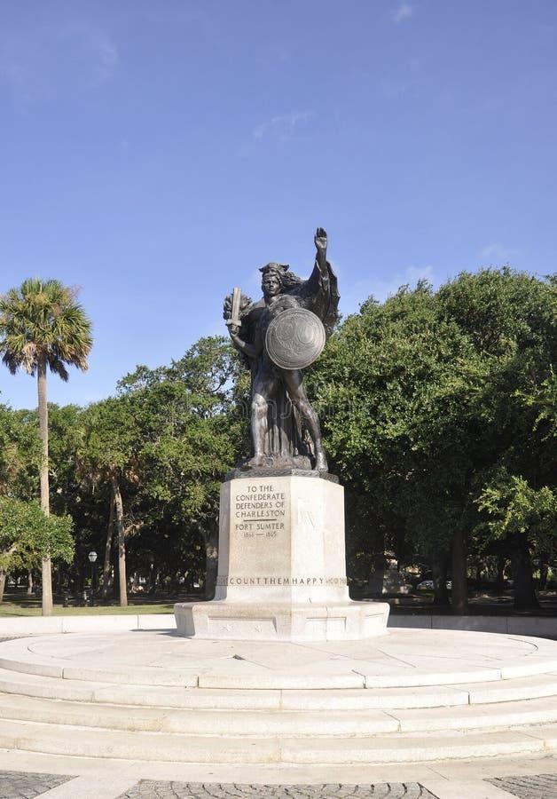 SC de Charleston, o 7 de agosto: Monumento de defensores confederados de Charleston de Charleston em South Carolina foto de stock royalty free