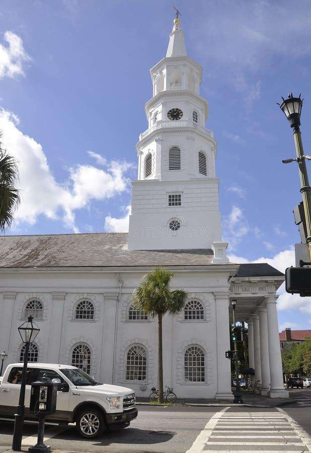 SC de Charleston, o 7 de agosto: St Michaels da igreja de Charleston em South Carolina imagem de stock