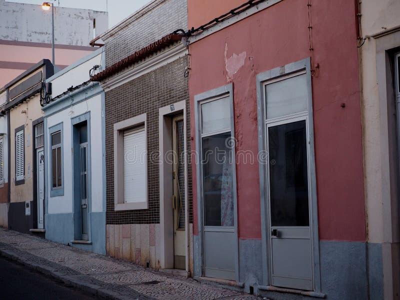 Sc?ne de rue au cr?puscule ? Faro Portugal photographie stock