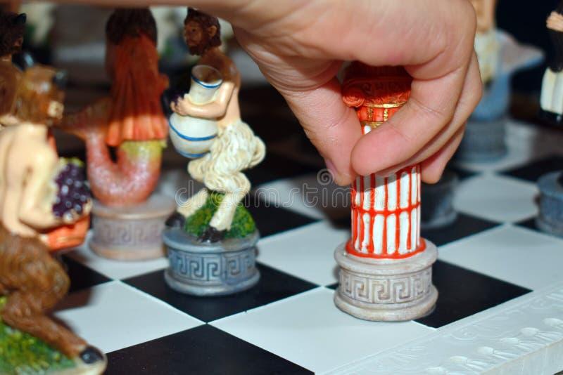 Scacchi calcolati di legno scolpiti del gioco immagine stock libera da diritti