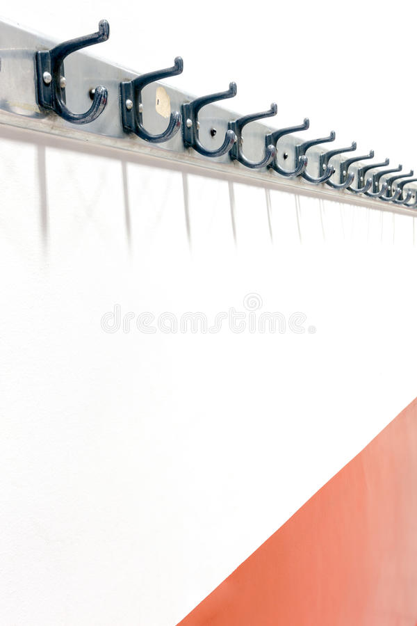 Scaffale del cappotto della parete fotografie stock